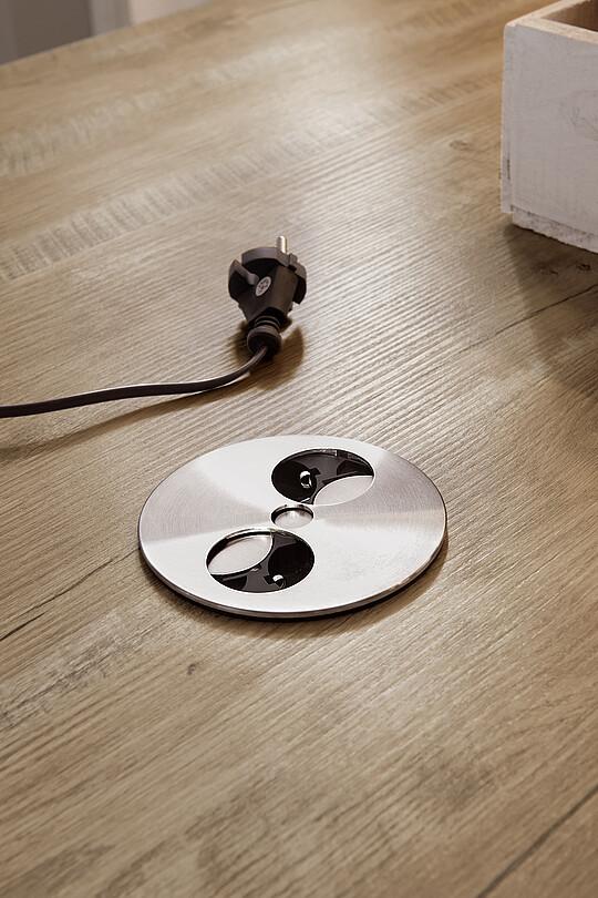 versenkbare steckdosen verschiedene l sungen im berblick. Black Bedroom Furniture Sets. Home Design Ideas