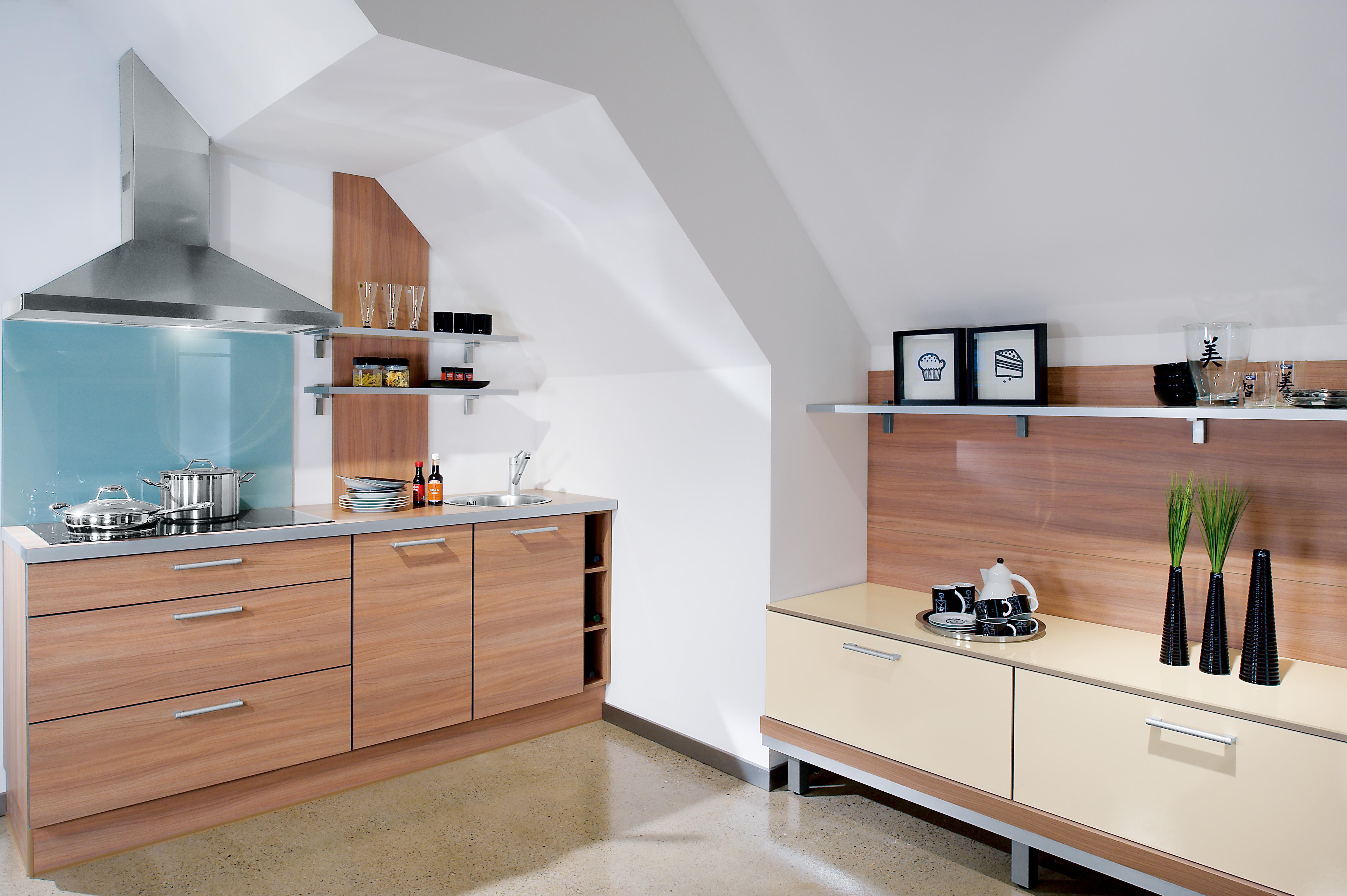 k che mit dachschr ge tipps und kniffe f r die planung. Black Bedroom Furniture Sets. Home Design Ideas