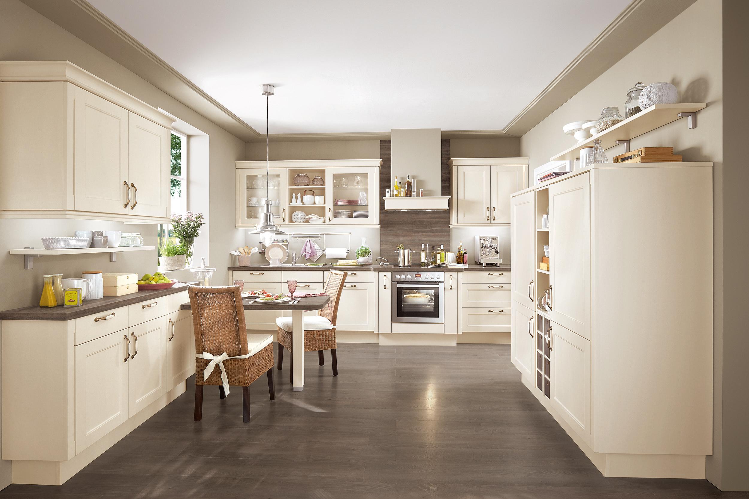 Landhausküche: Von klassisch-rustikal bis modern