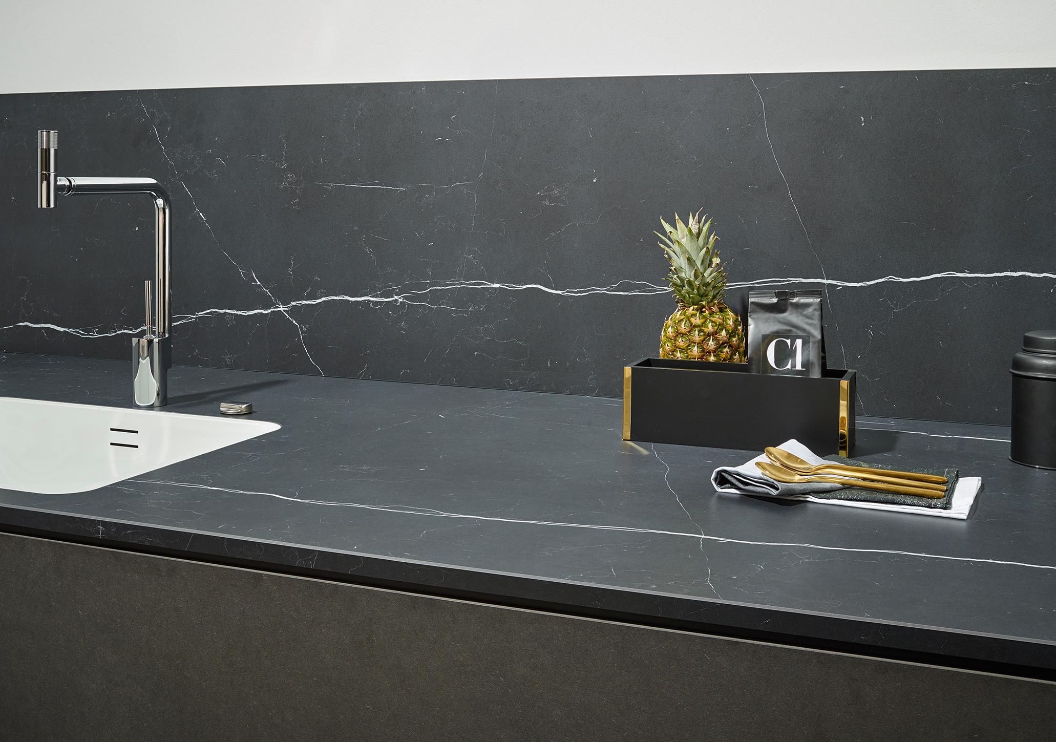 Relativ Küchenrückwand: Holz, Glas oder Metall? KW57